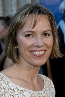 Lucinda Jenney Picture