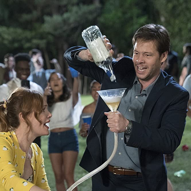 Leslie Mann and Ike Barinholtz in Blockers (2018)
