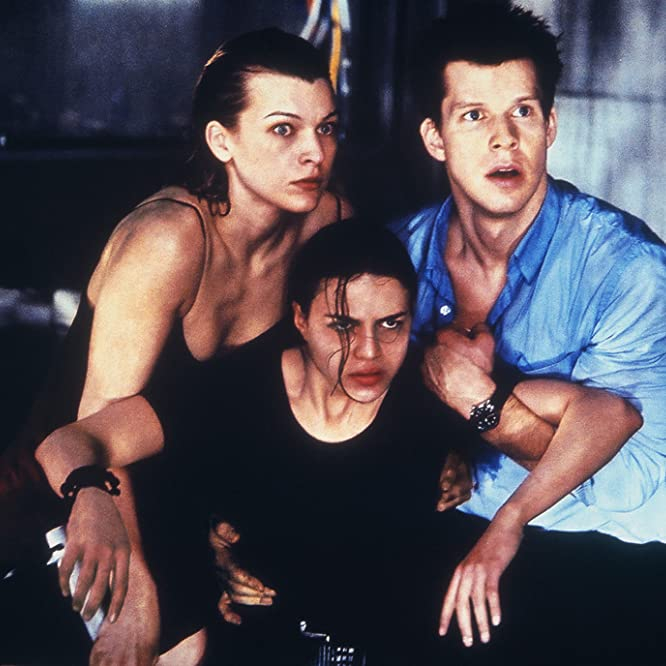 Milla Jovovich, Eric Mabius, and Michelle Rodriguez in Resident Evil (2002)