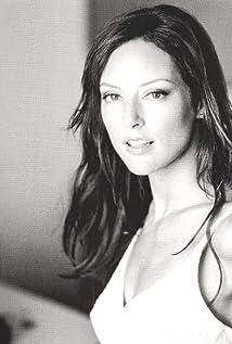 Lola Glaudini Picture
