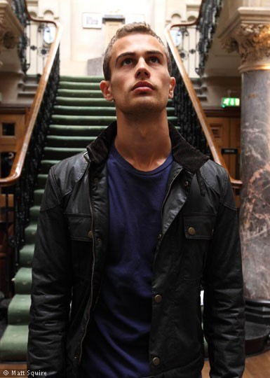 Pictures & Photos of Theo James - IMDb