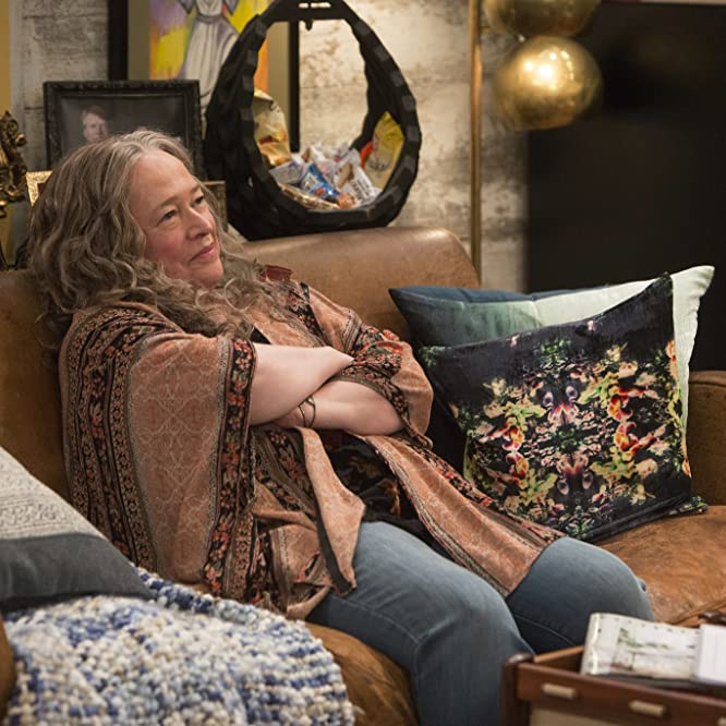 Kathy Bates in Disjointed (2017)