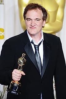 Quentin Tarantino  MV5BMTgyMjI3ODA3Nl5BMl5BanBnXkFtZTcwNzY2MDYxOQ@@._V1_UX214_CR0,0,214,317_AL_