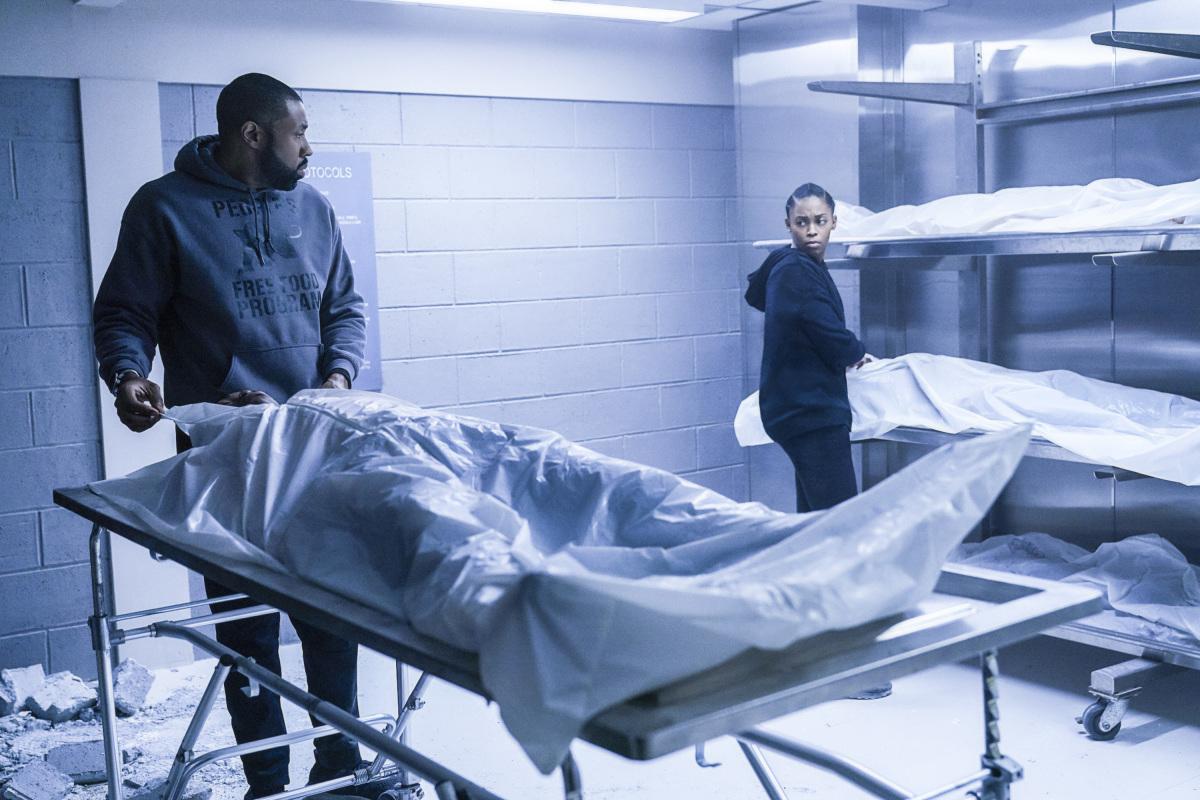 Cress Williams and Nafessa Williams in Black Lightning (2018)