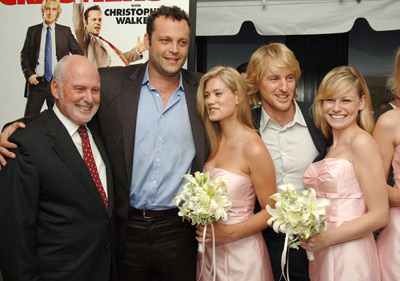 Vince Vaughn Owen Wilson And Michael Lynne At An Event For Wedding Crashers