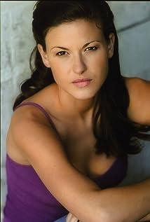 Alicia Lagano Picture
