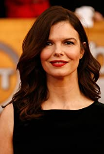The 54-year old daughter of father Tom Tripplehorn and mother Suzanne Ferguson, 170 cm tall Jeanne Tripplehorn in 2018 photo