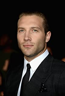 Jai Courtney Picture