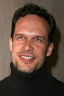 The 51-year old son of father William B. Bader and mother Gretta Bader, 188 cm tall Diedrich Bader in 2018 photo