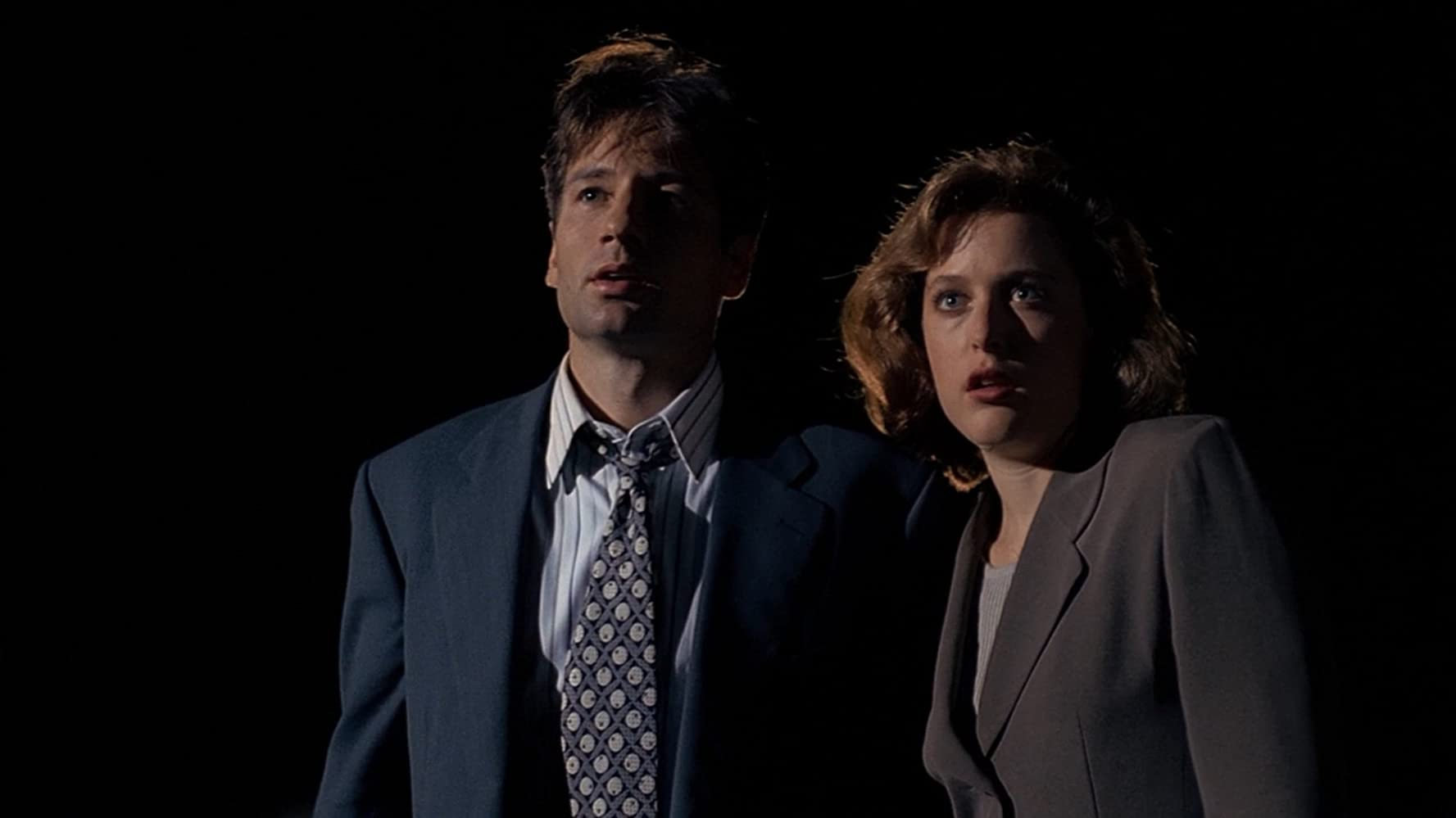 Gillian Anderson and David Duchovny in The X Files (1993)