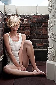 Lauren Lee Smith photos