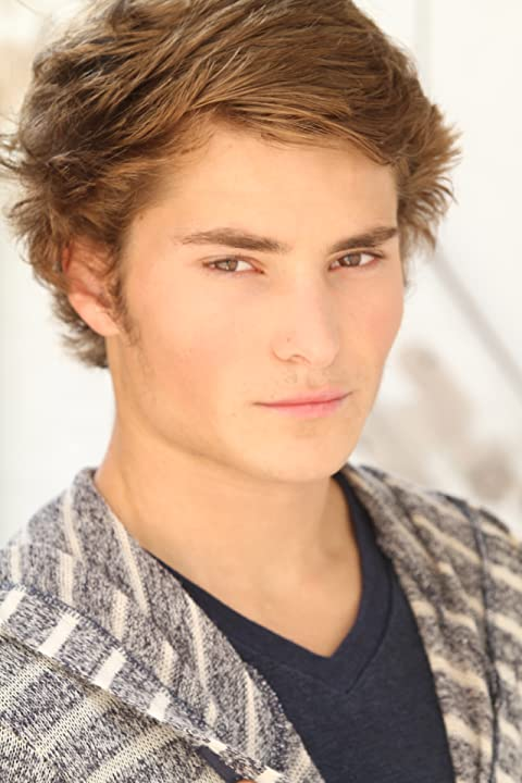 Pictures & Photos of Blake Woodruff - IMDb