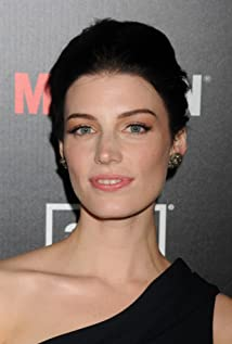 The 40-year old daughter of father Anthony Paré and mother Louise Mercier Jessica Paré in 2021 photo. Jessica Paré earned a  million dollar salary - leaving the net worth at 6 million in 2021
