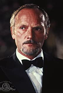 Julian Glover Picture