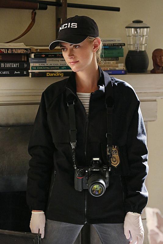Pictures photos of emily wickersham imdb - Emily wickersham gardener of eden ...