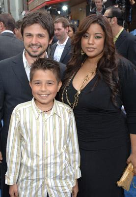 Freddy Rodríguez with kind, Wife Elsie Rodriguez