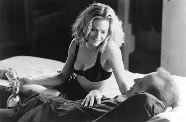 Pictures & Photos of Elisabeth Shue - IMDb