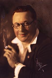 Willard Louis Picture