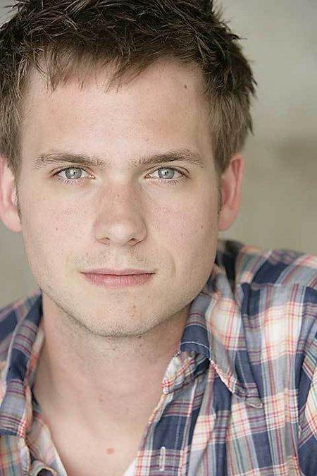 Pictures & Photos of Patrick J. Adams - IMDb