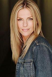 Ingrid Kavelaars Picture