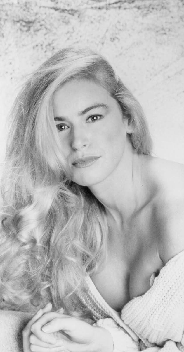 Alonna Shaw Nude Photos 73