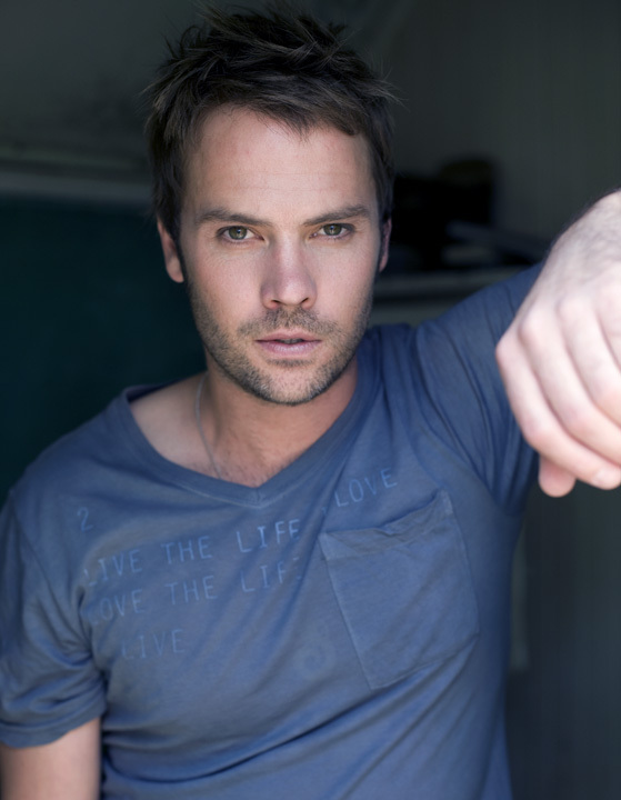 Pictures & Photos of Barry Watson - IMDb