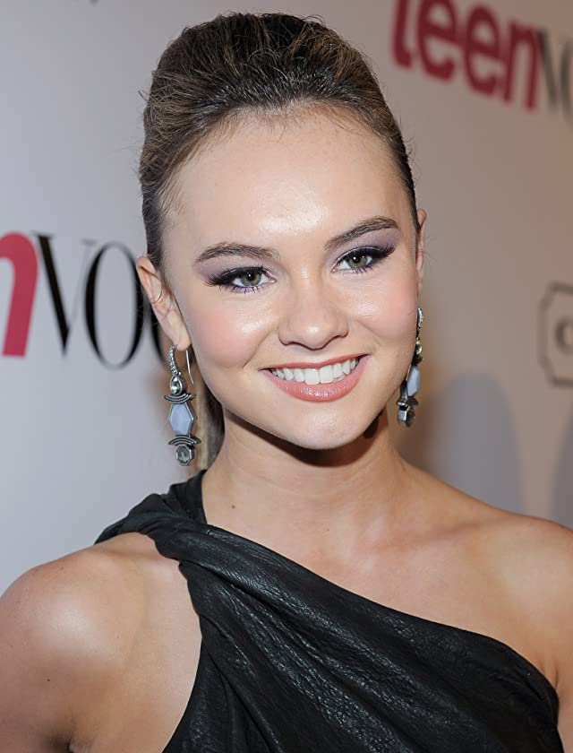 Pictures & Photos of Madeline Carroll - IMDb