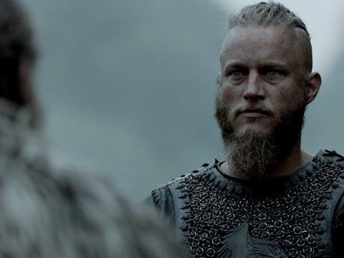 Travis Fimmel Eyes Vikings