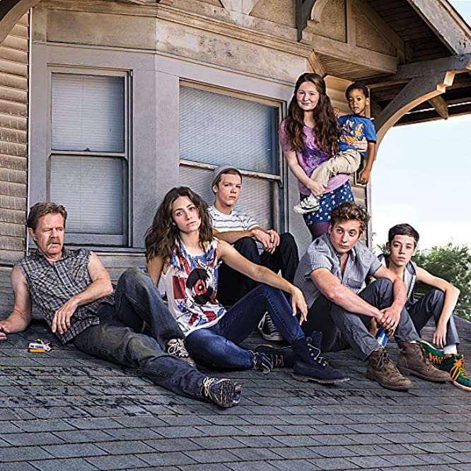 William H. Macy, Emmy Rossum, Cameron Monaghan, Jeremy Allen White, Ethan Cutkosky, Emma Kenney, and Brenden Sims in Shameless (2011)