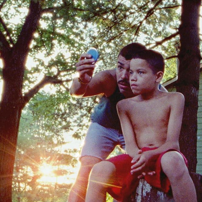 Raúl Castillo and Evan Rosado in We the Animals (2018)
