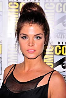 Marie Avgeropoulos Picture