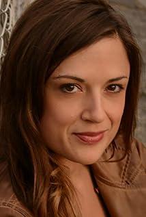 Jennifer Restivo Picture