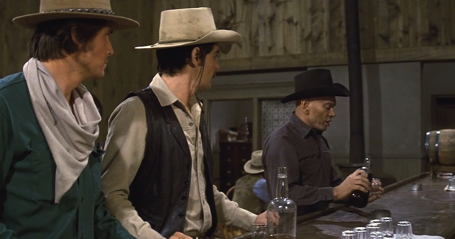 Richard Benjamin, James Brolin, and Yul Brynner in Westworld (1973)