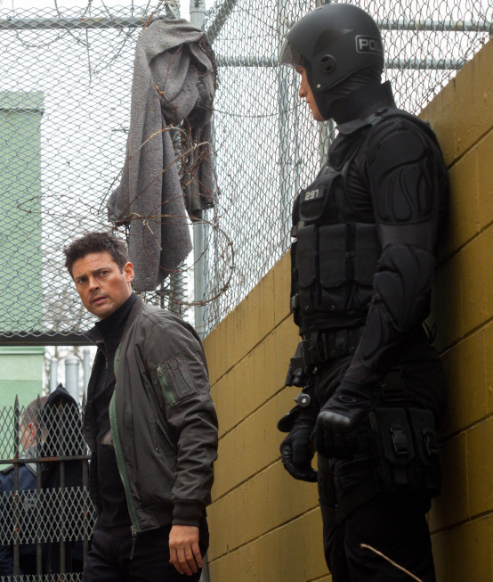"""Pictures & Photos From """"Almost Human"""" Straw Man (TV ..."""