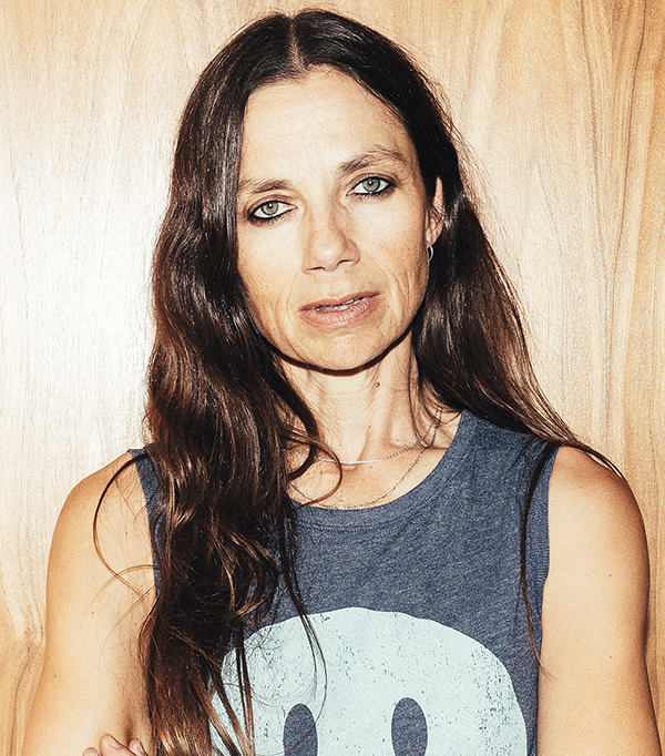 The 54-year old daughter of father Kent Bateman and mother Victoria Elizabeth Bateman Justine Bateman in 2020 photo. Justine Bateman earned a million dollar salary - leaving the net worth at 5 million in 2020