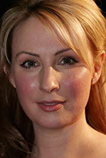 Lisa McCune Picture