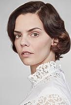 Camilla Renschke's primary photo