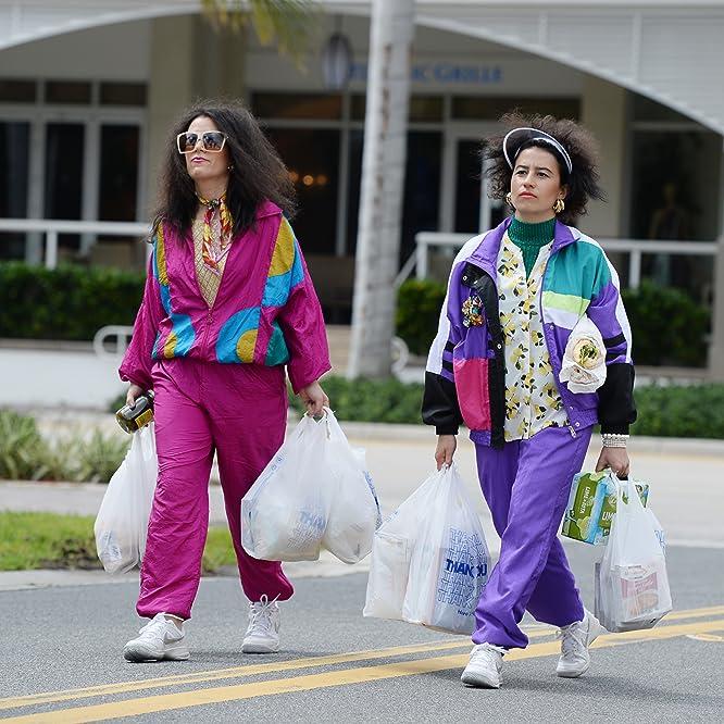 Abbi Jacobson and Ilana Glazer in Broad City (2014)
