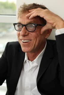 Russell Mulcahy Picture