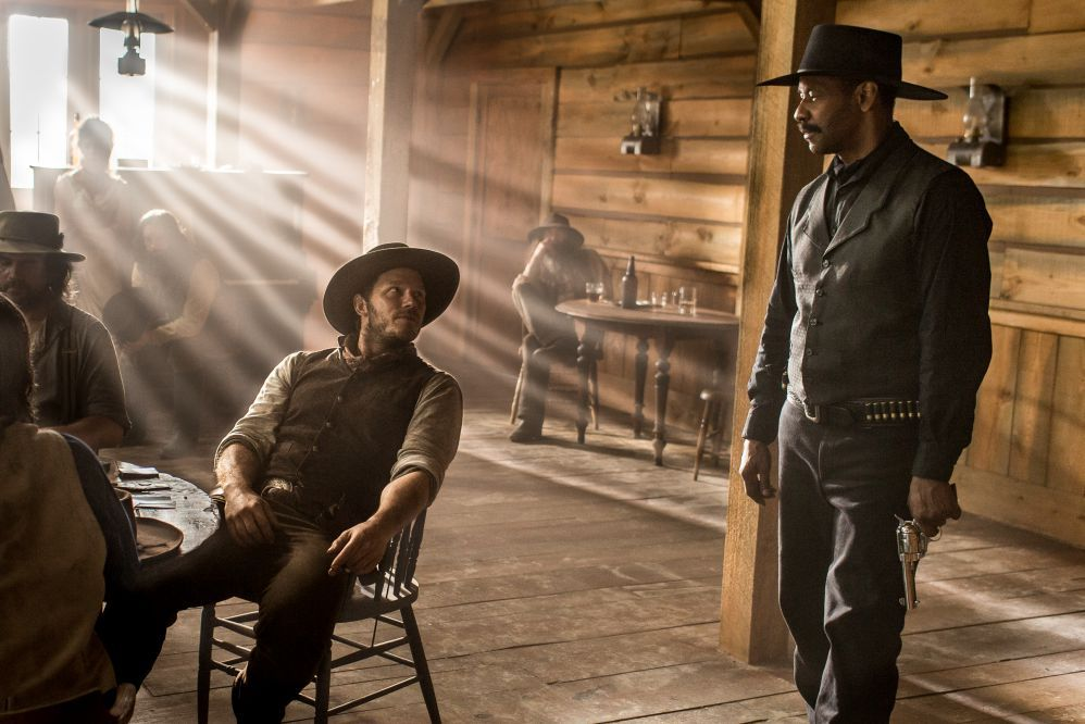 Denzel Washington and Chris Pratt in The Magnificent Seven (2016)