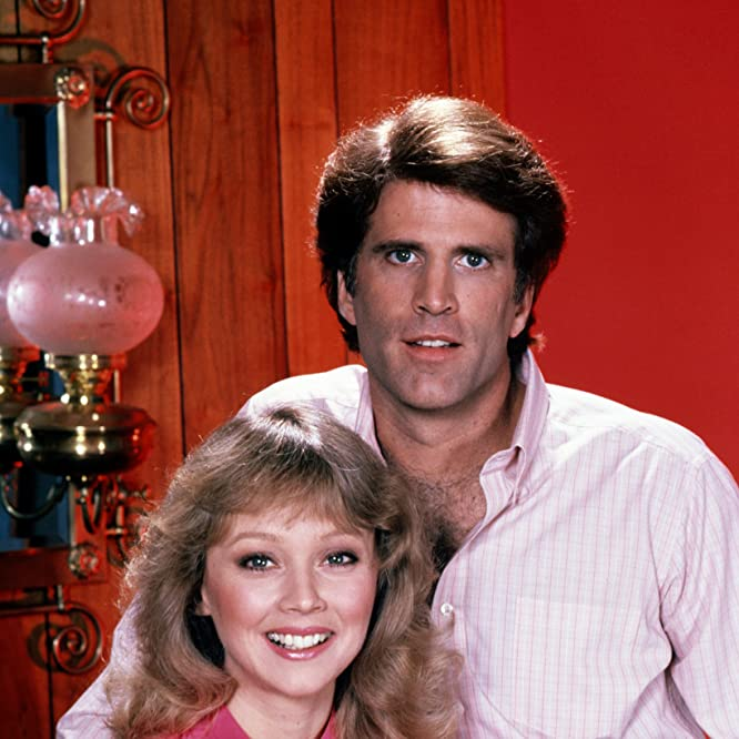 Ted Danson and Shelley Long in Cheers (1982)