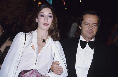 Pictures & Photos of Anjelica Huston - IMDb