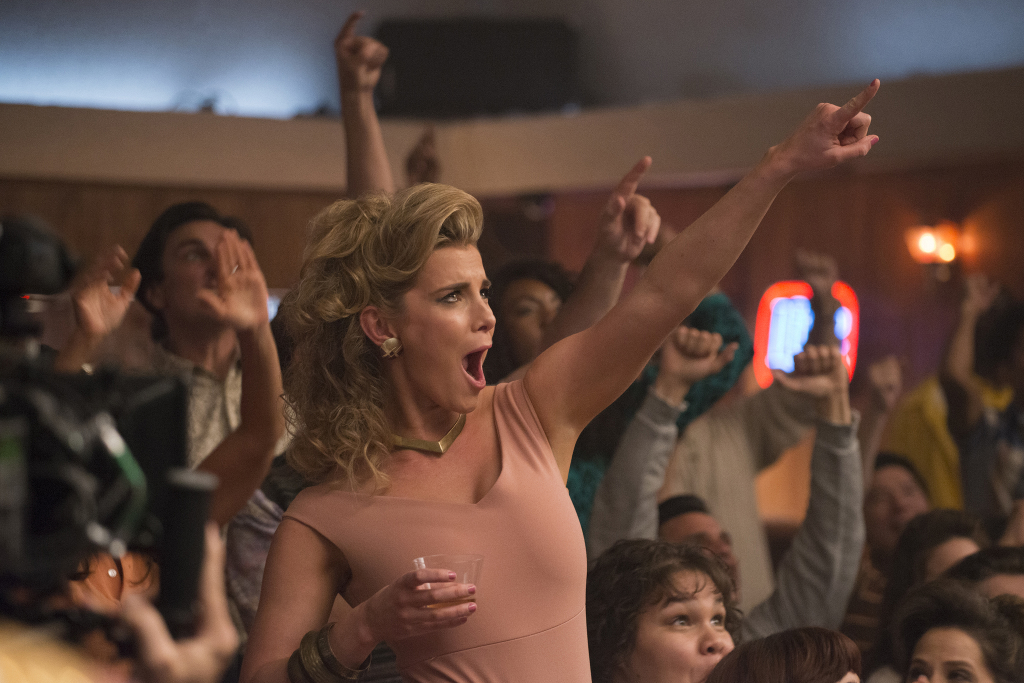 GLOW: Debbie Does Something | Season 1 | Episode 5