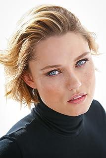 Clare Grant Picture