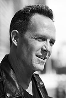 The 54-year old son of father (?) and mother(?) Dean Winters in 2018 photo. Dean Winters earned a  million dollar salary - leaving the net worth at 4 million in 2018