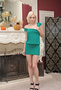 Lily LaBeau Picture
