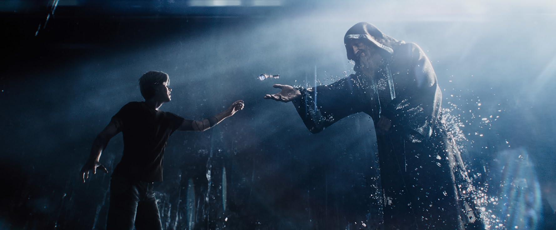 Mark Rylance and Tye Sheridan in Ready Player One (2018)