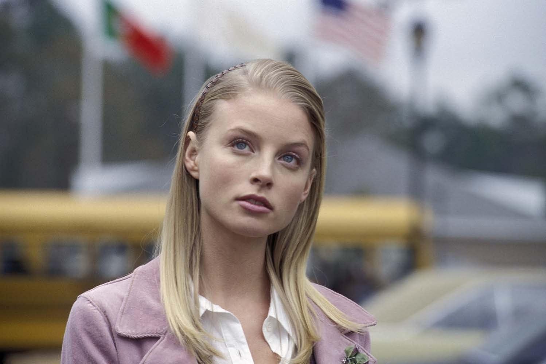 Rachel Nichols in Dumb and Dumberer: When Harry Met Lloyd (2003)