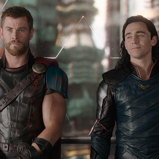 Tom Hiddleston and Chris Hemsworth in Thor: Ragnarok (2017)
