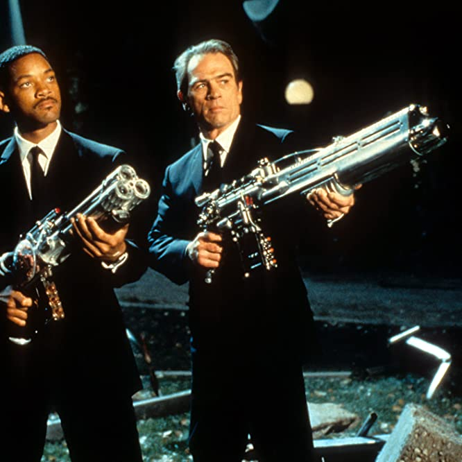 Tommy Lee Jones and Will Smith in Men in Black (1997)